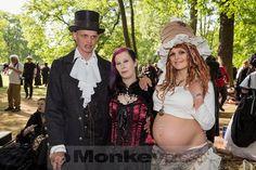 Viktorianisches Picknick @ WGT 2016 (13.05.2016)  Viktorianisches Picknick auf monkeypress.de: http://monkeypress.de/2016/05/live/konzertberichte/wgt-2016-viktorianisches-picknick/