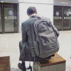 Whether youre a city dweller commuting to work a weekend adventurer or an on-the-go college student Lance is the daypack for you. Did we just become best friends? #myecbc  Link in bio! . . . #traveltuesday #ontheroadwithecbc #travellife #travelphotography #traveltheworld #passionpassport #welltravelled #travels #travelingtheworld #travelgram #travelgear #travelinstyle #cntraveler #outdoorstuff #wanderlust #travelbug #traveladdict #doyoutravel #tlpicks #travelingtheworld #instratravel…
