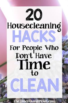 Housecleaning is so hard to squeeze in to a busy life. I seem to have little to no time to clean as a mom of 8! Here are 20 cleaning hacks for busy people via @www.pinterest.com/JenRoskamp