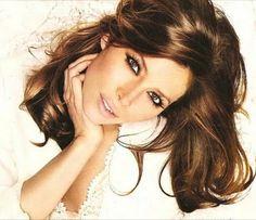 Jessica Biel - chocolate brown hair with caramel highlights