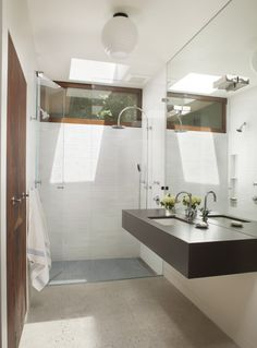 Mid-Century Modern Bathroom - 1960s Eichler renovated by Ana Williamson Architect