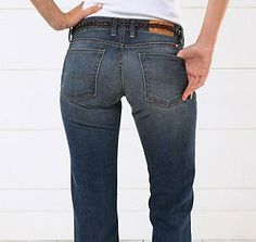 These Jeans Will Make Your Butt Look Amazing: If You Have a Wide Butt