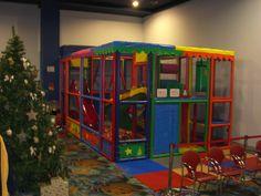 Happy Days Marbella - Parque Infantil Happy Day, Playground, Bed, Furniture, Home Decor, Children Playground, Shapes, Restaurants, Decoration Home
