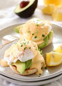 30 minutes · Vegetarian · This Avocado Eggs Benedict is absolutely delicious when you pair freshly cut avocado, whole wheat English muffins and a perfectly poached egg. Breakfast Desayunos, Breakfast Dishes, Healthy Breakfast Recipes, Brunch Recipes, Vegetarian Recipes, Healthy Recipes, Avocado Breakfast, Healthy Breakfasts, Breakfast Smoothies