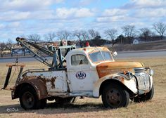 Yesteryear's Wrecker - www.TravisBarlow.com Insurance for towing & auto transporters for over 39 yrs.