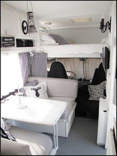Cool 35 Brilliant Camper Van Conversion for Perfect Outdoor Experience http://homiku.com/index.php/2018/02/26/35-brilliant-camper-van-conversion-perfect-outdoor-experience/