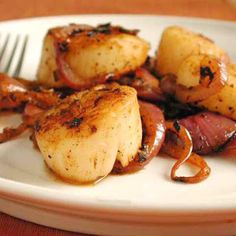 Mix together lemon juice, dry mustard, cayenne, garlic, salt, pepper and scallops. Fill a non-stick frying pan with water and place scallops and cover with ...