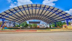 Parque Tamarindo, San Pedro, Sucre Truss Structure, Steel Structure Buildings, Steel Trusses, Roof Trusses, Roof Truss Design, Facade Design, Stairs Architecture, Architecture Details, Steel Building Homes
