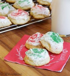These Frosted Ricotta Cookies, sometimes referred to as Italian Christmas Cookies, are a moist and delicious holiday treat. Cookie Desserts, Just Desserts, Cookie Recipes, Delicious Desserts, Yummy Treats, Dessert Recipes, Yummy Food, Yummy Yummy, Dessert Ideas