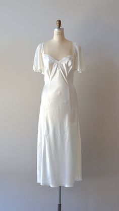 vintage white chiffon peignoir set / 1970s nightgown