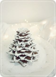 Food christmas tree - make out of white chocolate and nuts like example from xmas cooking class.