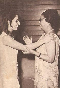 السيدة .. و السِ Om-Kalsoum & Fairuz, 2 famous icons. The first from Egypt and the latter from Lebanon. beautiful voices!!!