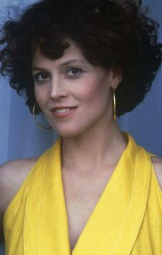 Hollywood Actresses, Beautiful Actresses, Actors & Actresses, Conquest Of Paradise, Sigourney Weaver, Actrices Hollywood, Best Actress, American Actress, Pretty Woman