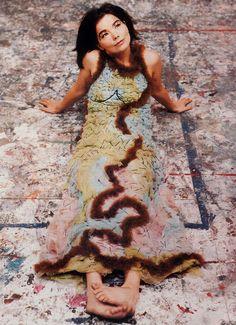 bjork, 1993 juergen teller / inward facing girl