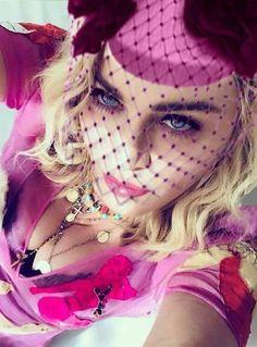 Ad Mysterium Larva Madonna Fashion, Lady Madonna, Madonna Art, Madonna Mode, Music Icon, Pop Music, Marilyn Monroe, Divas, Mtv Videos