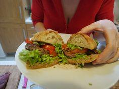 Video recept Steak zo sviečkovice v žemli Ciabatta, Hamburger, Steak, Chicken, Ethnic Recipes, Food, Essen, Steaks, Burgers