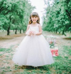 2014 FLOWER GIRL DRESSES | Over the top puffball skirts are a lovely design feature and can be ...