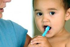 Productos para limpiar los dientes de los bebés