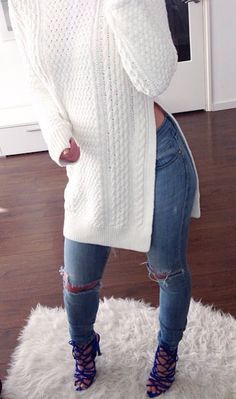 High slit cable knit white sweater ripped skinny jeans