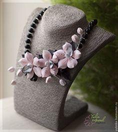 Купить Колье С орхидеями пудрового цвета. Полимерная глина. - бледно-розовый, полимерная глина