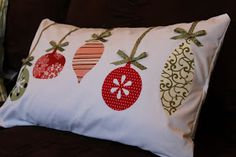 Keeping it Simple: Whatever Wednesday: Ornament Pillow