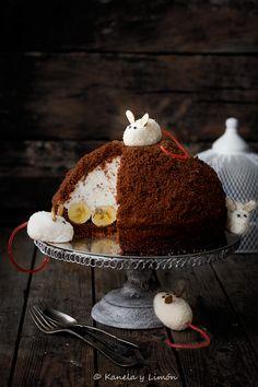 Kanela et de citron: un gâteau au chocolat, le fromage et banane. Halloween.