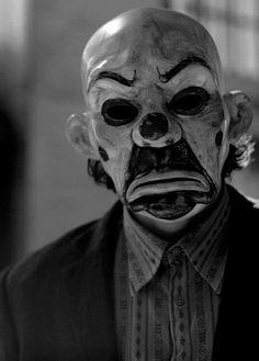 Heath Ledger in The Dark Knight Joker Dark Knight, The Dark Knight Trilogy, Scary Halloween Masks, Scary Mask, Joker Halloween, Joker Clown, Clown Mask, Heath Ledger Joker, Batman Begins