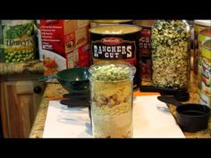 How To Make Meals In A Jar... - http://prepping.fivedollararmy.com/uncategorized/how-to-make-meals-in-a-jar/