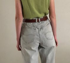 relaxed fit high waist LEE jeans /vintage 80s jeans / cropped jeans | 27W