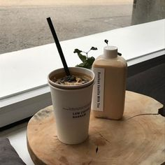 coffee milk tea ice drink aesthetic yummy delicious looking mouthwatering soft minimalistic korean cute kawaii g e o r g i a n a : m u n c h & s l u r p Cream Aesthetic, Aesthetic Coffee, Brown Aesthetic, Aesthetic Food, Aesthetic Collage, Iced Coffee, Coffee Drinks, Coffee Shop, Coffee Milk
