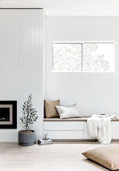 Home Living Room, Living Spaces, Modern Home Interior Design, Décor Boho, Piece A Vivre, Living Room Inspiration, Minimalist Home, Cheap Home Decor, Home Remodeling