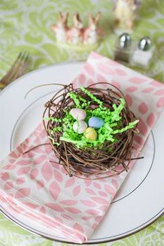 Easter Placesetting | Hen House Linens