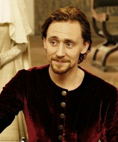 18 Reasons Why We Don't See Tom Hiddleston's Fan Club Getting Smaller Any Time Soon