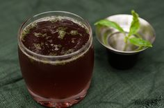Much Ado About Fooding: Test Kitchen - Elderberry Basil Cocktail