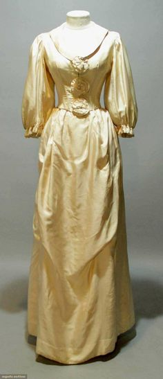 Muslin Wedding Gown, 1795, Augusta Auctions, MAY 13th & 14th, 2014, Lot 90