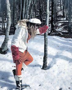 Se scuoto forte un bosco chissà quanti gnomi e fate e tesori si librano per un attimo nellaria. #travelgirl
