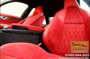 Tapiterie auto interior mercedes piele si alcantara rosie. La aceasta lucrare s-au folosit romburi pentru a crea un design special.