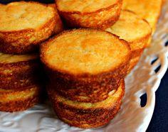 Sweet Tea and Cornbread: Aunt Vel's Sour Cream Corn Bread!