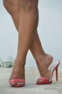high heels – High Heels Daily Heels, stilettos and women's Shoes Hot Heels, Sexy Legs And Heels, Sexy High Heels, Womens High Heels, Pumps Heels, Stiletto Heels, Heeled Sandals, High Heel Pumps, Stockings Heels