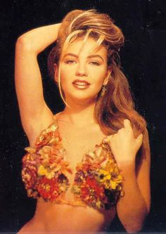 A Diva Thalia: Photoshoot - 1991, por Carlos Somonte