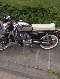 Zundapp .. MG Motorcycle Manufacturers, Bike Ideas, Munich Germany, Machine Tools, Cars And Motorcycles, Motorbikes, Heavy Metal, Vehicles, Vintage