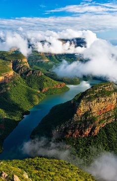 Nestled between the majestic Drakensberg Mountains and the sparkling clear waters of the Blyde River , Blyde River Canyon Lodge offers local and int Places Around The World, Travel Around The World, Places To Travel, Places To See, Travel Destinations, Wedding Destinations, Beautiful World, Beautiful Places, Paises Da Africa