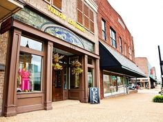 Tupelo Day Trip   http://www.sweetmagnoliatours.com/shop/vacation-packages/tupelo-day-tour/