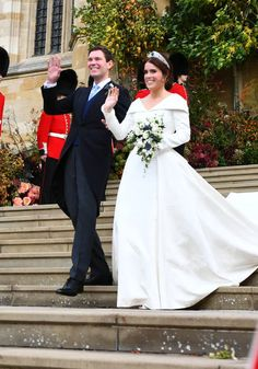 Princess Beatrice of York, Sarah Ferguson, George Brooksbank and Nicola Brooksbank wave as the stand on the steps after the wedding of Princess Eugenie of York and Jack Brooksbank at St. Get premium, high resolution news photos at Getty Images Princesa Eugenie, Princesa Beatrice, Princesa Diana, Sarah Ferguson, Royal Wedding Gowns, Royal Weddings, Wedding Dresses, Princess Eugenie Jack Brooksbank, Royal Princess