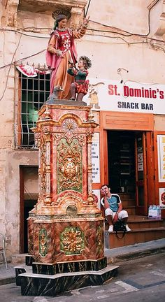 The saint- by Vinaixa  photonoise.vinaixa.org