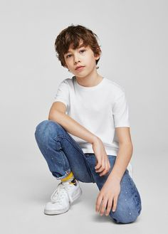 Essential cotton t-shirt - Boys Toddler Boy Photography, Little Boy Photography, Children Photography Poses, Kids Fashion Photography, Kids Studio Photography, Stylish Little Boys, Stylish Kids, Fashion Kids, Little Boy Poses