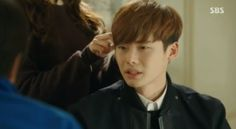 Ha Myung at In Ha's home  http://www.pinocchiodrama.com/sbs-pinocchio-episode-13-screenshots-part-2/