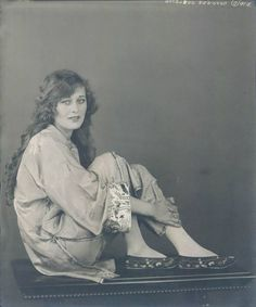 """Dolores Costello (September 1903 – March was once known as """"The Goddess of the Silent Screen"""" but is probably best remembered t. Hollywood Music, Old Hollywood Glamour, Vintage Hollywood, Hollywood Actresses, Classic Hollywood, Dolores Costello, Silent Screen Stars, Silent Film Stars, Movie Stars"""