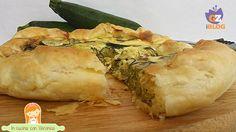 La torta salata con zucchine è un'altra torta salata a base di pasta sfoglia con ripieno di zucchine.