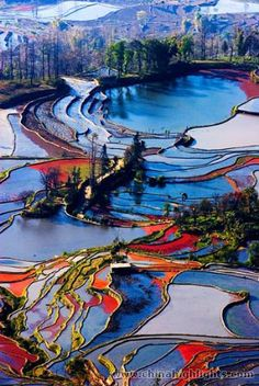 Landscape Photography - Yuanyang Terrace Field is located in Honghe County, in southern Yunan, China. Places To Travel, Places To See, Places Around The World, Around The Worlds, Beautiful World, Beautiful Places, Amazing Places, Tianjin, Land Art